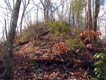 Steep, narrow ridge of the boundary trail